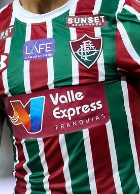 foto da camisa do fluminense no brasileirão em 2018. Fluminense Fluminense.  PATROCÍNIO MASTER 12163bc838f95