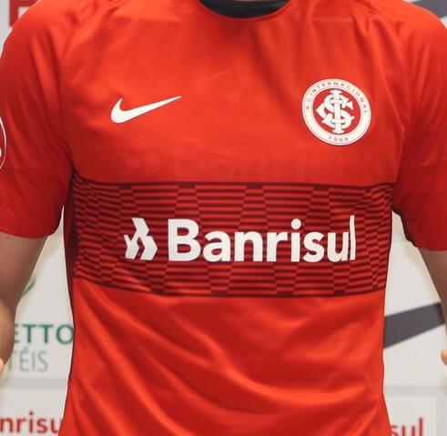 foto da camisa do internacional no brasileirão em 2018