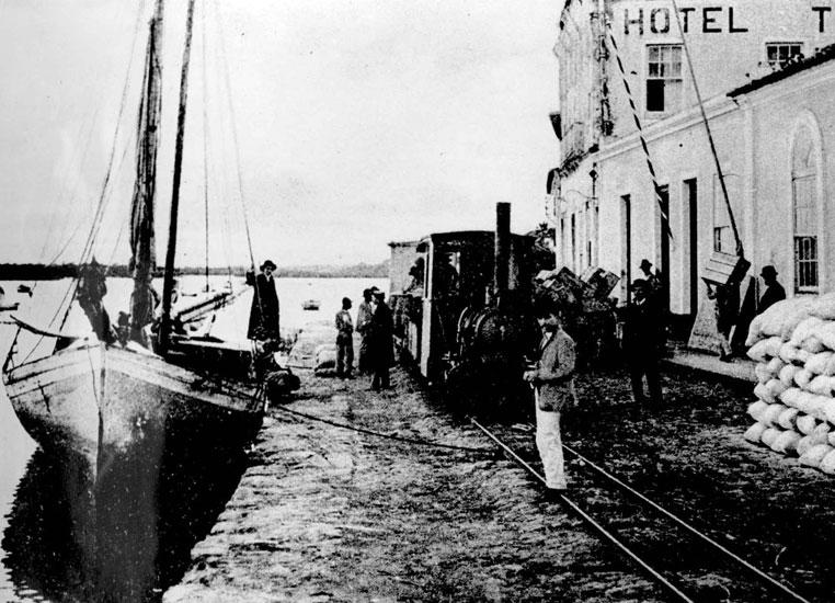 O Porto de Paranaguá em 1904. (Foto: Instituto Histórico e Geográfico do Paraná)