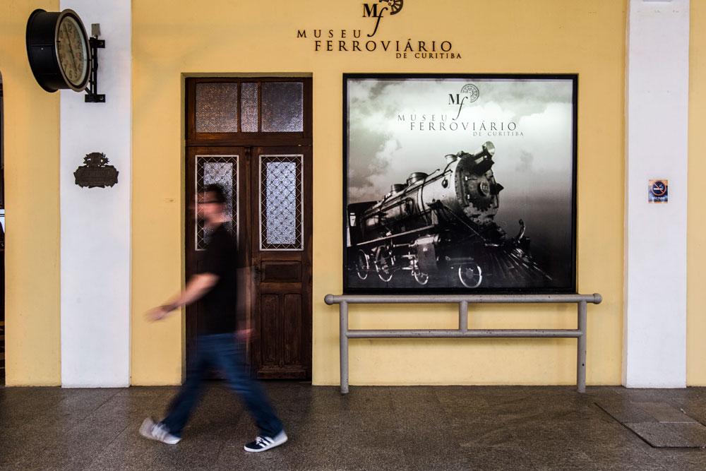 Desde 1984 o antigo prédio da estação passou a abrigar o Museu Ferroviário. (Foto: Brunno Covello/GP)