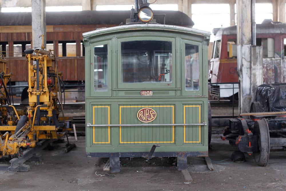 Auto de linha a vapor construído em 1913 nas Oficinas de Ponta Grossa. Em 1935 passou por uma reforma, foi aposentado em 1963. Em 1984 passou por outra reforma ficando com a aparência que vemos hoje. (Foto: Jonathan Campos/GP)
