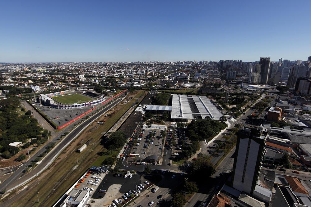 Nos anos 1940 o estádio à beira dos trilhos era casa do extinto Clube Atlético Ferroviário. (Foto: Jonathan Campos/GP)