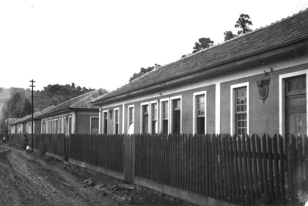 Uma vila ferroviária nos anos 1940. (Foto: Acervo do Instituto Histórico e Geográfico do Paraná)