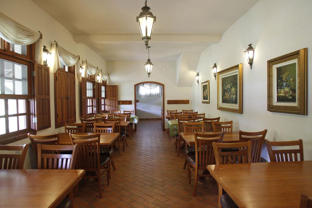 A estação, propriedade do empresário Ari Portugal, abriga hoje um restaurante com capacidade para 60 pessoas. (Foto: Jonathan Campos/GP)