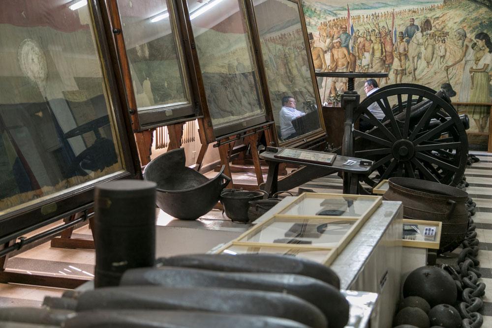 Imagem - Balas de canhão e canhões que foram usados durante a guerra
