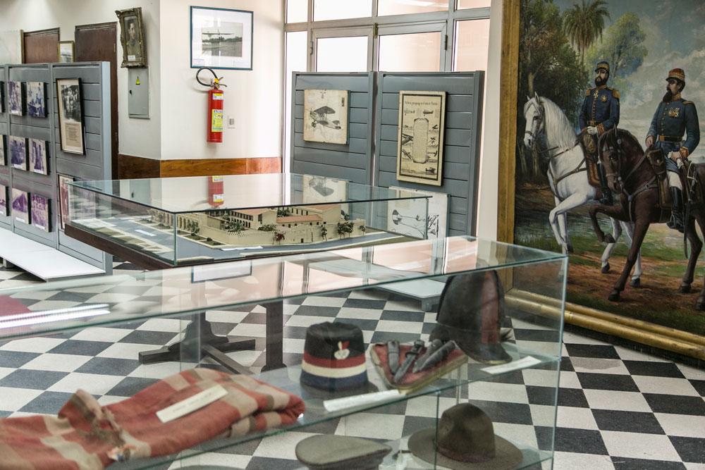 Imagem - Roupas usadas na guerra por combatentes paraguaios