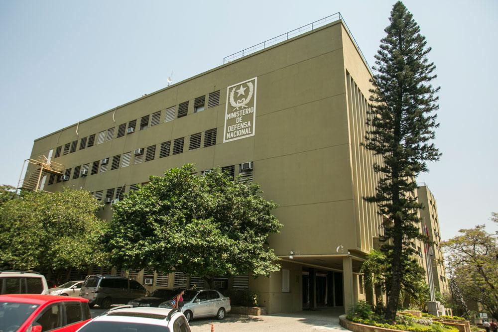 Imagem - O prédio do Ministério de Defesa, em Assunção, é sede do Museu Militar, onde há diversos objetos da Guerra do Paraguai.